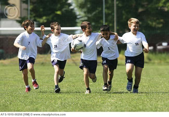 Futbola, oinarritik euskaraz egitasmoaren aurkezpena